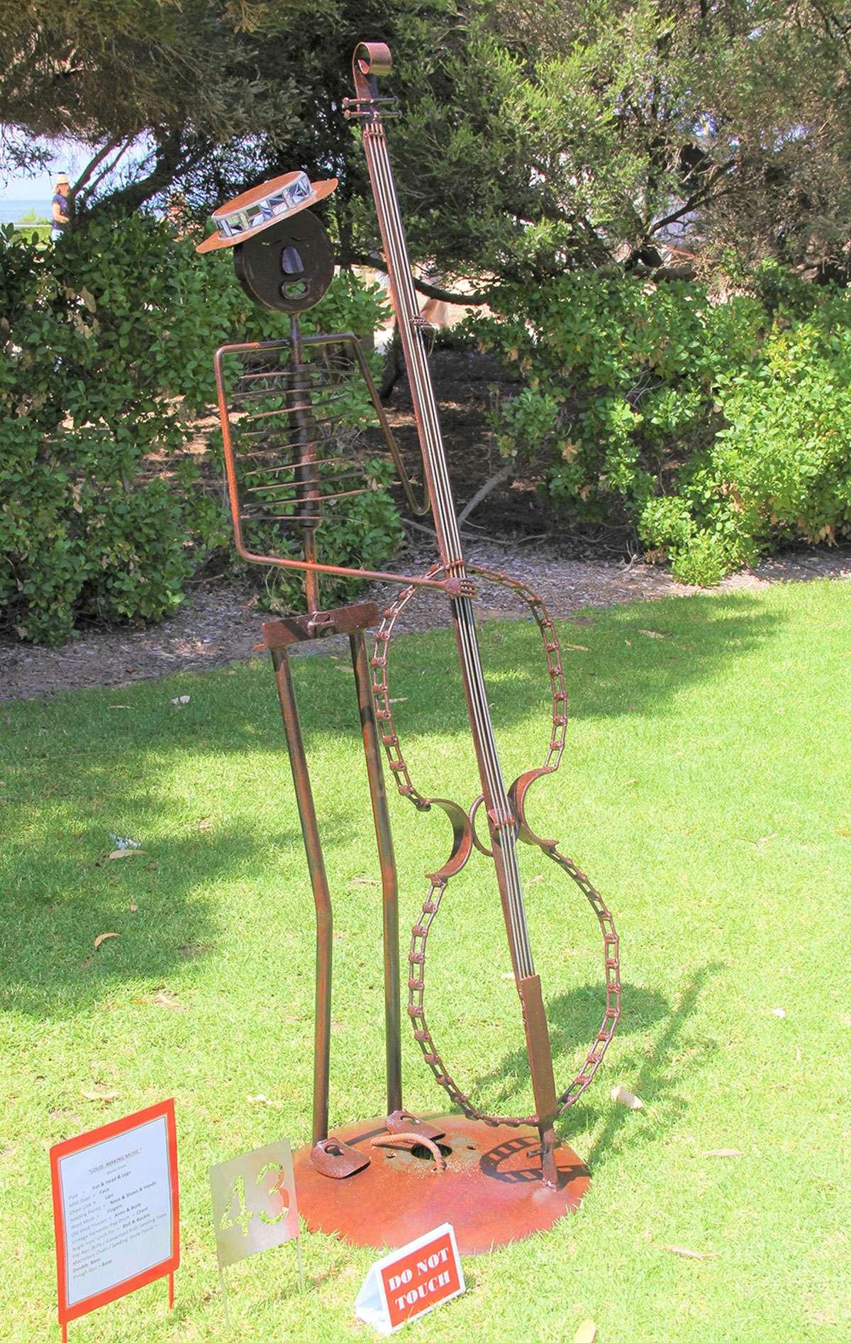 Sculpture by the Bay Gallery. #sculptures #sculpturebythebay #artwork